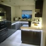 Ikea-Küche mit Arbeitsplatten-Beleuchtung